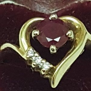 Jewelry - Vintage 14k gold genuine ruby  & diamonds ring